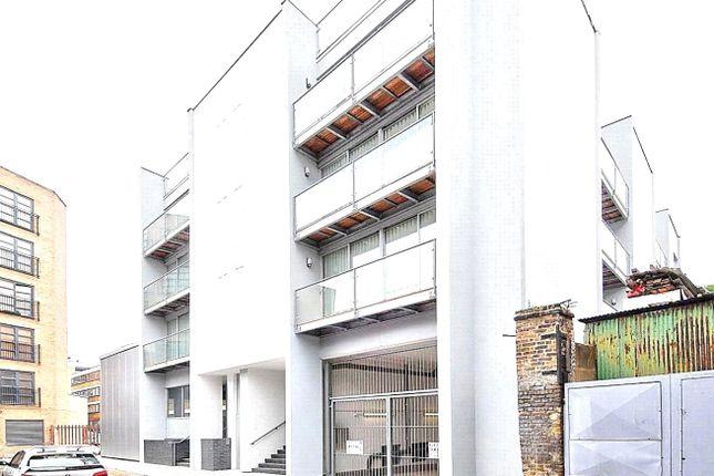 Picture No. 16 of Dereham Place, London EC2A