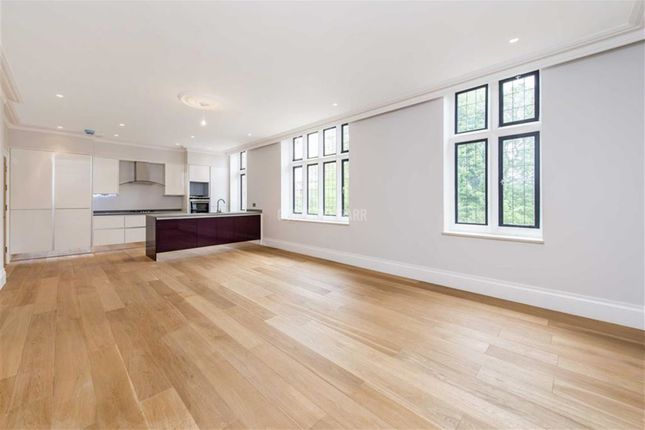 Thumbnail Flat to rent in The Ridgeway, London