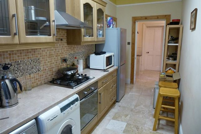 Thumbnail Flat to rent in Grassington Road, Eastbourne