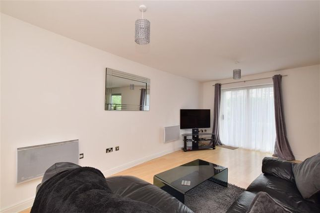 2 bed flat for sale in Trafalgar Gardens, Three Bridges, Crawley, West Sussex