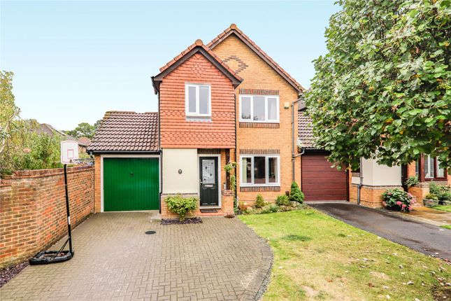 Thumbnail Detached house to rent in Derbyshire Green, Warfield, Bracknell, Berkshire