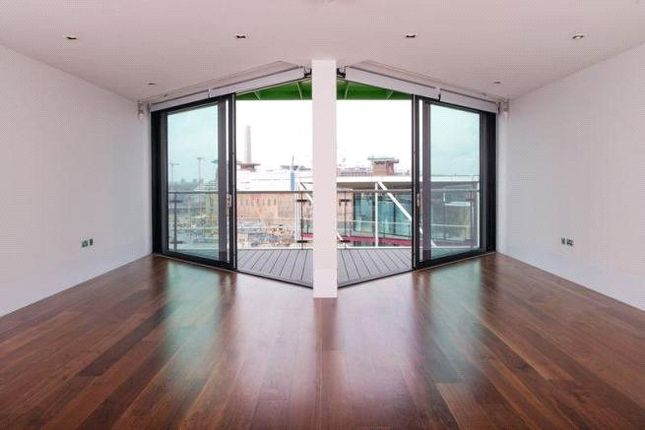 Flat for sale in 4 Riverlight Quay, London