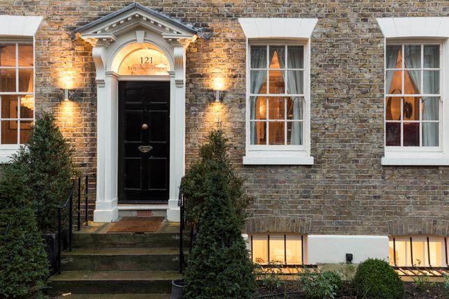 Thumbnail Town house to rent in Wincott Parade, Kennington Road, London