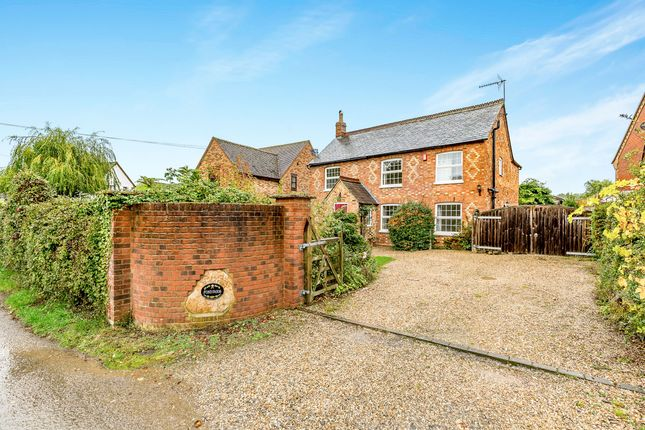 Thumbnail Detached house to rent in Wood End, Little Horwood, Milton Keynes