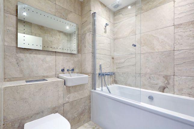 Main Bathroom of Wedmore Street, London N19