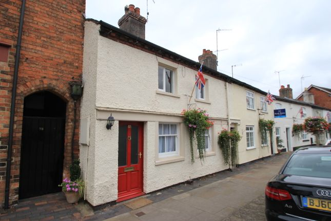 3 bed terraced house to rent in High Street, Eccleshall, Staffordshire