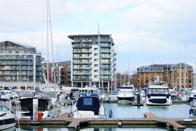 Thumbnail Flat for sale in Sundowner, Channel Way, Southampton