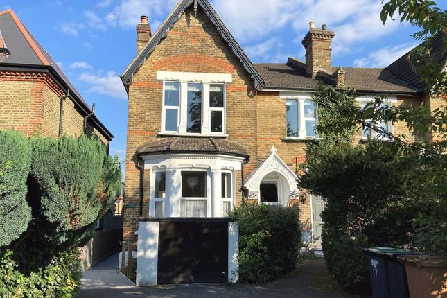 3 bed flat for sale in Trewsbury Road, London SE26