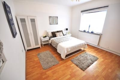 Thumbnail Property to rent in Aston Street, London