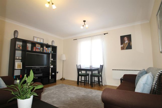 Thumbnail Flat for sale in Viceroy Mansions, Carlotta Way, Cardiff