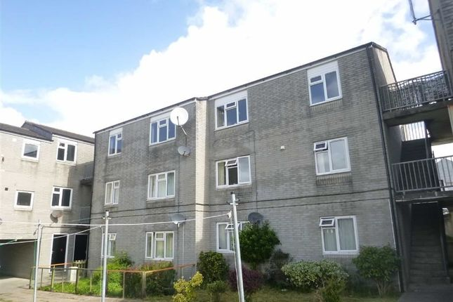 Thumbnail Flat to rent in Berries Avenue, Bude, Cornwall