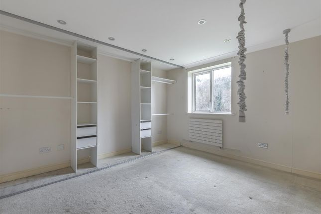 Basildon Close - Bedroom 1