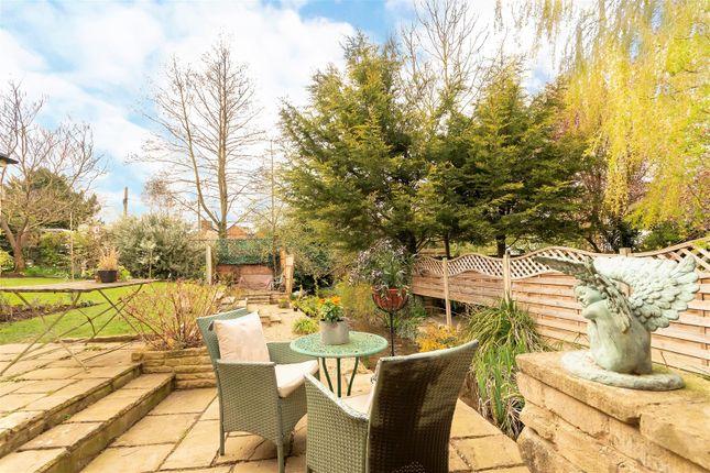 Op - Garden of Main Street, Greetham, Oakham LE15