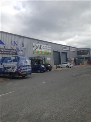 Thumbnail Retail premises to let in Unit 4, Oswestry Trade Park, Maes Y Clawdd, Oswestry