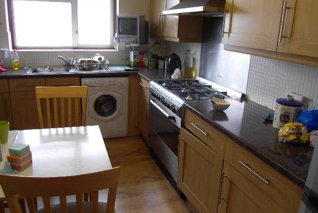 Thumbnail Flat to rent in Park View Road, Hillingdon, Middlesex