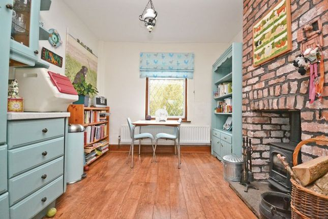 Thumbnail Cottage for sale in Plex Moss Lane, Halsall, Ormskirk