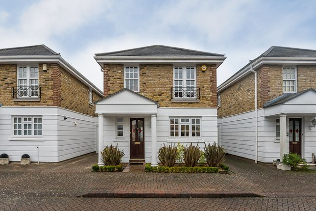 Thumbnail Detached house to rent in Kensington Gardens, Kingston Upon Thames