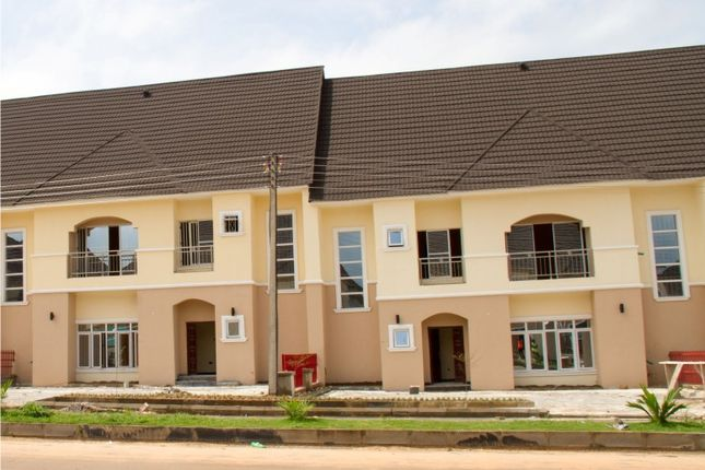 Thumbnail Terraced house for sale in 4 Bedroom Terrace Duplex With 1 Bedroom Guest Flat, Airport Road, Abuja, Nigeria