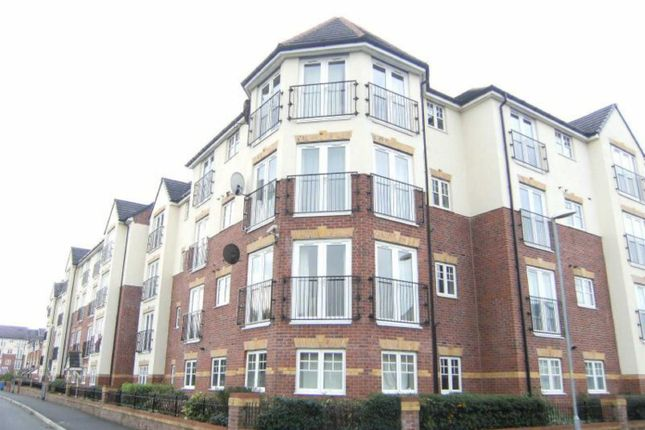 Thumbnail Flat to rent in Sandycroft Avenue, Wythenshawe, Manchester