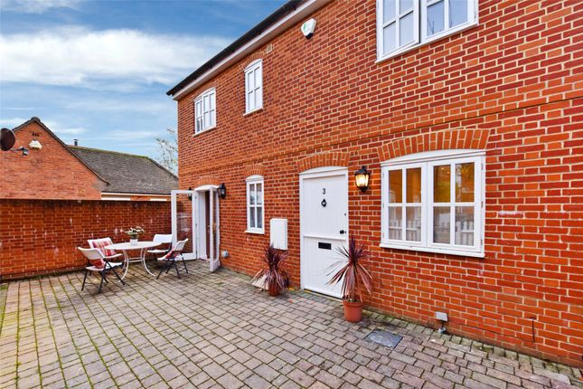 Thumbnail End terrace house to rent in Barlows Mews, Henley-On-Thames