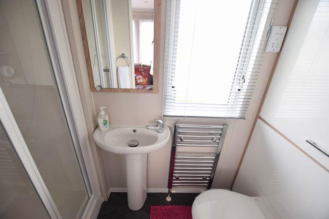 En-Suite of Eastbourne Road, Pevensey Bay, Pevensey BN24
