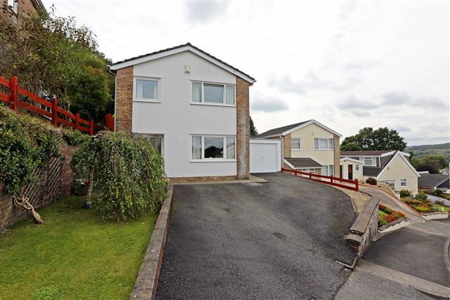 Thumbnail Detached house for sale in Hilltop Crescent, 'the Common', Pontypridd