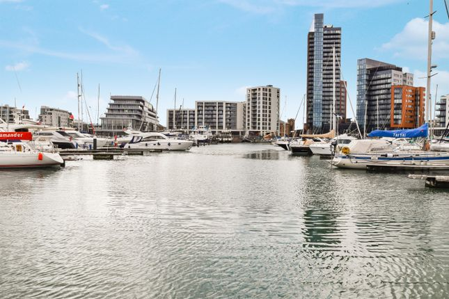 Thumbnail Town house for sale in Channel Way, Ocean Village, Southampton