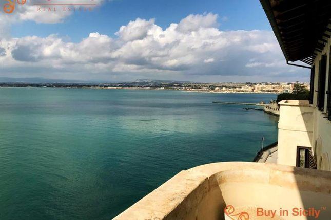 2 bed apartment for sale in Ortigia, Sicily, Italy
