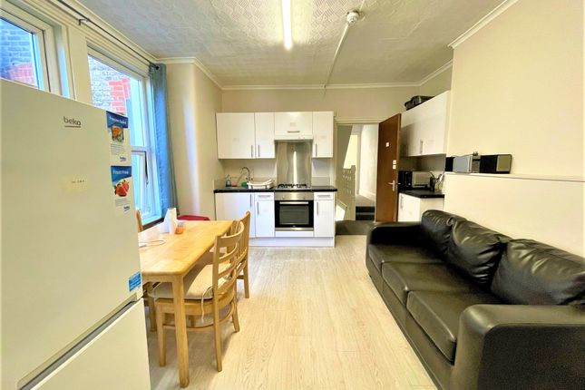 Thumbnail Flat to rent in Coverton Road, Tooting Broadway, London