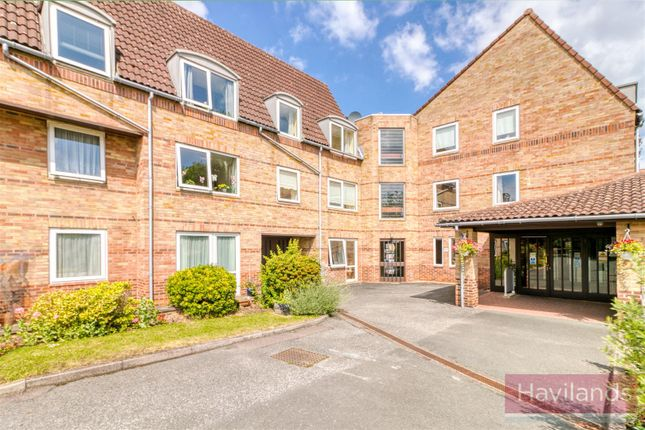Thumbnail Property to rent in Homewillow Close, Grange Park