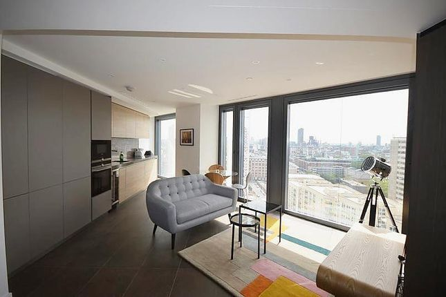 Thumbnail Flat to rent in Chronicle Tower, Lexicon, City Road, London