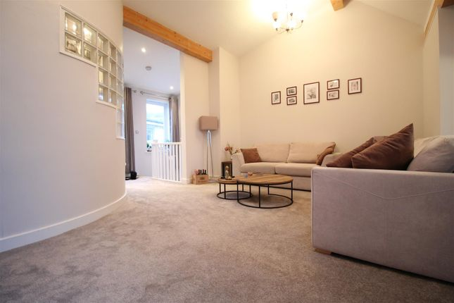 Living Room of The Gallery, Hope Drive, The Park NG7