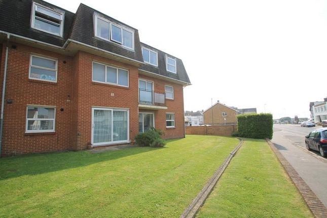 Thumbnail Flat to rent in Riverside Road, Shoreham-By-Sea