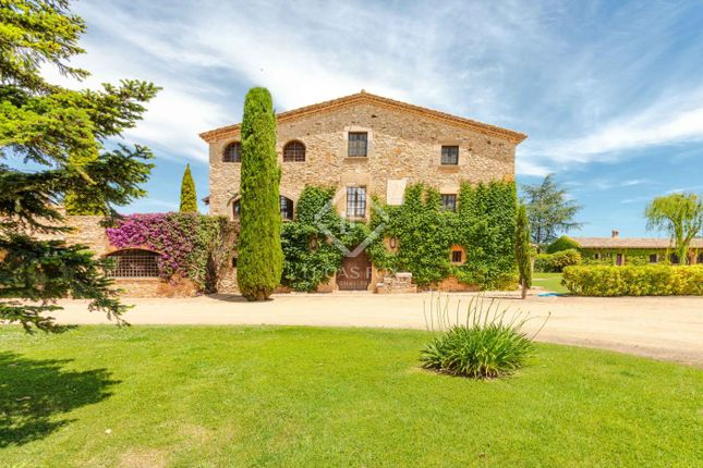 Thumbnail Country house for sale in Spain, Girona (Inland Costa Brava), Baix Empordà, Cbr11565