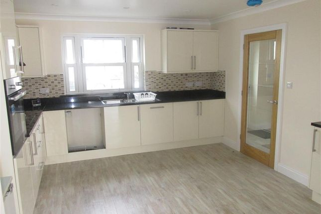 3 bed property to rent in Lucas Road, Glais, Swansea