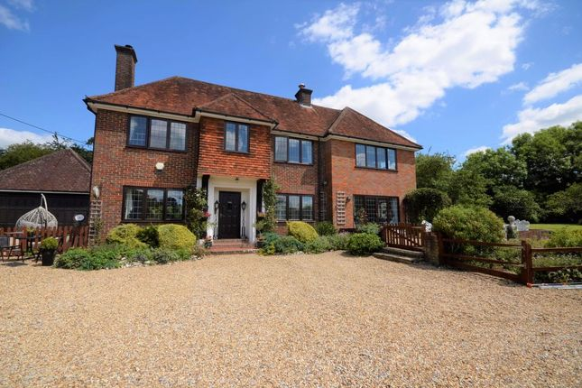 Thumbnail Detached house to rent in Link Road, Great Missenden