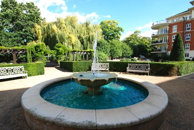 Thumbnail Flat for sale in Clevedon Road, Richmond Surrey