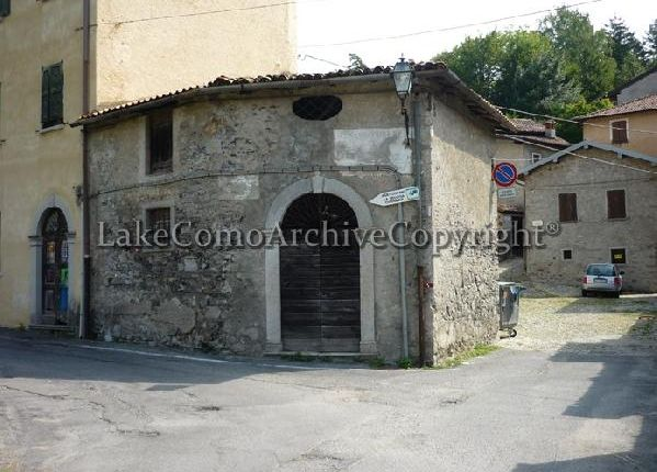 Property for sale in Grandola Ed Uniti, Lake Como, Italy
