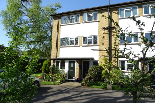 Thumbnail Flat for sale in Wey Court, Wey Manor Road, New Haw