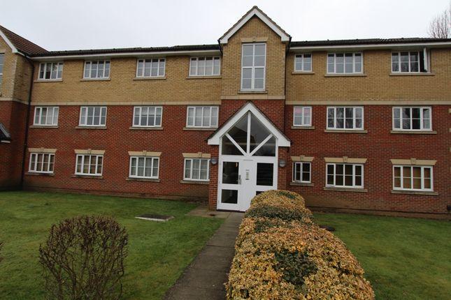Thumbnail Flat to rent in Armstrong Close, Borehamwood