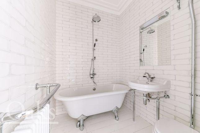Bathroom of The Jade Suite, The Sanctuary, Croydon CR0