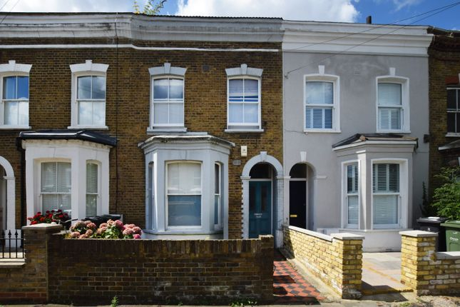 3 bed terraced house to rent in Edithna Street, London SW9