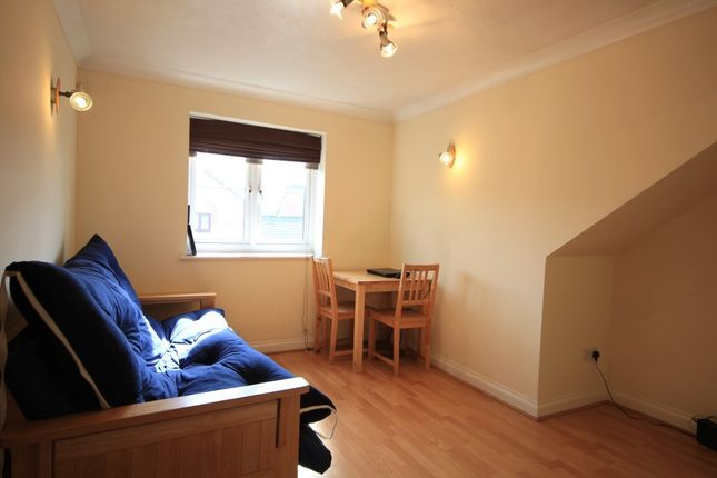 Living Room of Maltings Place, Reading RG1