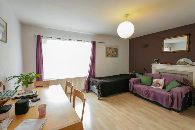 Thumbnail Flat to rent in Ruskin Court, 4 Champion Hill, London, Greater London SE58Ah