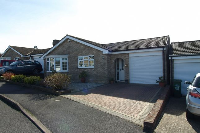 Thumbnail Bungalow for sale in Kilpin Green, North Crawley, Buckinghamshire