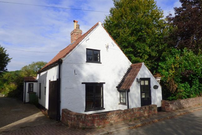 Thumbnail 2 bed detached house to rent in Main Road, Hatcliffe, Grimsby