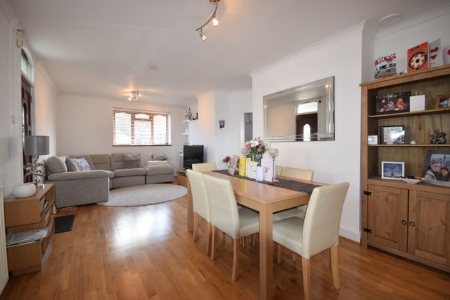Thumbnail Bungalow to rent in Cottage Avenue, Bromley Common