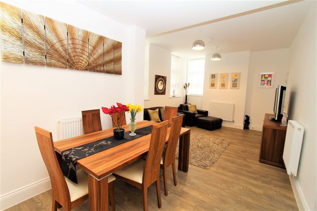 Thumbnail Flat for sale in Henman House, West End
