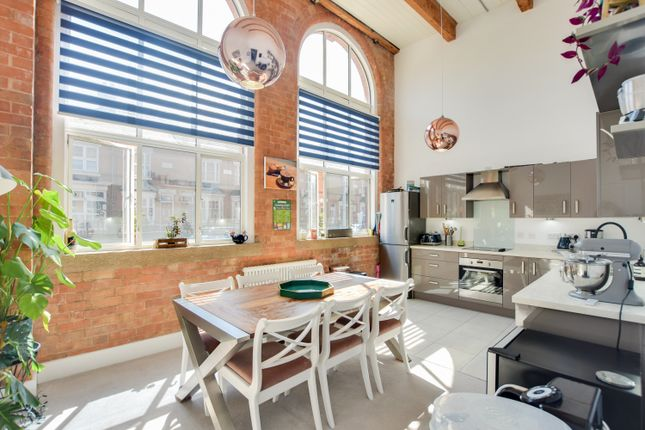 Thumbnail Flat for sale in Cowper Street, Knighton Fields, Leicester