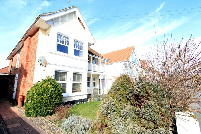 Thumbnail Flat to rent in Pinecliffe Avenue, Southbourne, Bournemouth